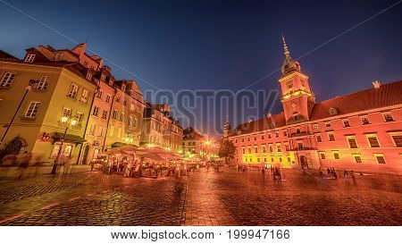 Warsaw, Poland: Castle Square and the Royal Castle, Zamek Krolewski w Warszawie at night