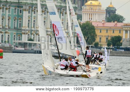 13.08.2017.Russia.Saint-Petersburg.Athletes compete in the speed of passing the route on the yacht.