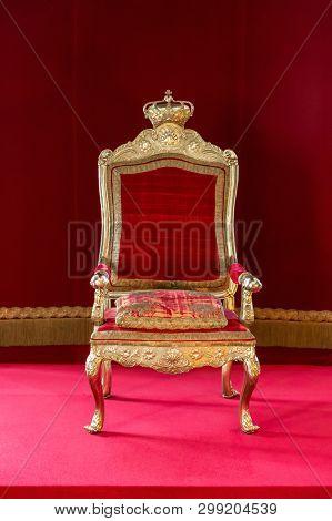 Hillerod, Denmark - June, 2016: Throne Hall Of Frederiksborg Castle. The Royal Throne In The Interio
