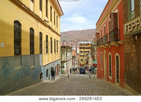 Hillside Dwelling Of La Paz, The Highest Capital City In The World, Bolivia, South America