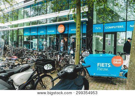 Coolblue Xxl Consumer Electronic Store, Gustav Mahlerlaan 320, 05/03/2019, Zuidas Amsterdam, The Net