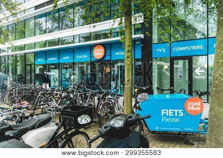 Coolblue Xxl Consumer Electronic Store, Gustav Mahlerlaan 320, 05/03/2019, Zuidas Amsterdam, The Net