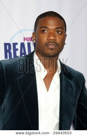 LOS ANGELES - OCTOBER 13:  Ray J Norwood arrivies at the 2009 Fox Reality Channel Really Awardsat The Music Box at Fonda Theater on October 13, 2009 in Los Angeles,  CA