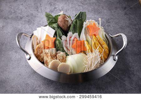 Japanese Kimchi Hotpot Used A Iron Pot
