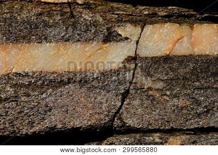 Geology; Fracture In The Rock, Signs Of Stress