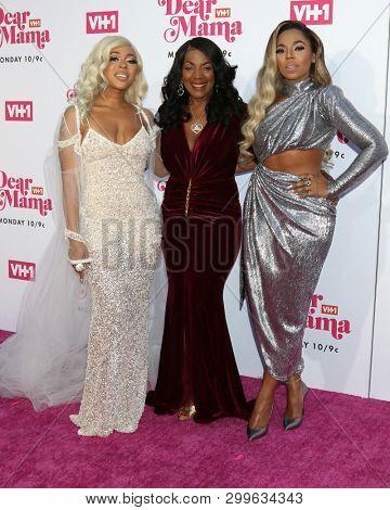 LOS ANGELES - MAY 2:  Shia Douglas, Tina Douglas, Ashanti at the