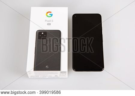 Bordeaux , Aquitaine  France - 12 09 2020 : Google Pixel 5 Next To Sell Commercial Box Of Android Ne