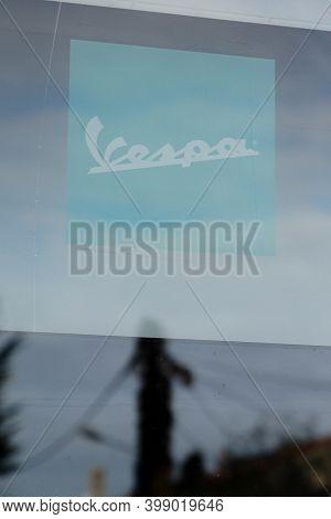 Bordeaux , Aquitaine  France - 12 09 2020 : Vespa Logo And Text Sign On Windows Italian Store Motorc