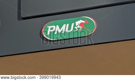 Bordeaux , Aquitaine  France - 12 09 2020 : Pmu Logo Text And Green Horse Sign On Store Front Of Fre
