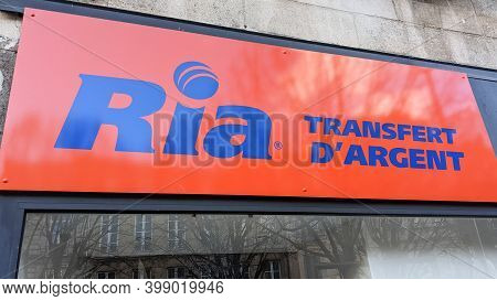 Bordeaux , Aquitaine  France - 12 09 2020 : Ria Money Transfer Text And Sign Logo Front Of Agency Sh