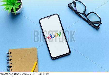 Online Ebay Store On A Mobile Phone Screen. Russia, St.petersburg, 8 December 2020