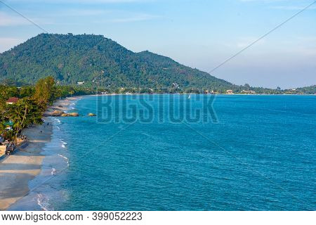 Lamai Beach On Koh Samui Island In Thailand, Popular Holiday Destination, Gulf Of Thai, Sailboat In