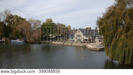 Views Along The Thames At Lechlade With The Riverside Pub In The Uk, Taken 19th October 2020