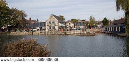 The Riverside Pub On The Thames In Lechlade In The Uk, Taken 19th October 2020