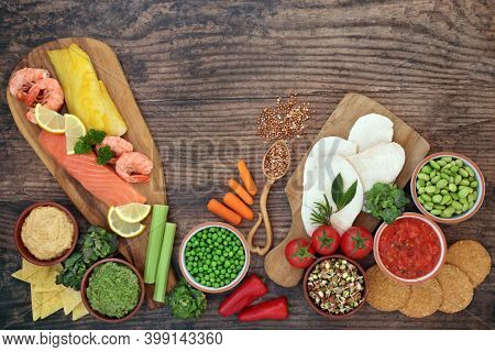 Low carb health food for diabetics with foods high in antioxidants, anthocyanins, omega 3, fibre, vitamins, minerals, smart carbs and protein. Foods below 55 on the GI scale. Healthcare concept.