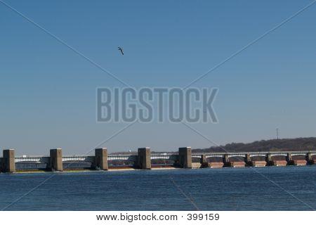 Lock & Dam 13