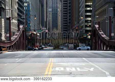 Chicago, Il April 16, 2020, Chicago Lasalle Street Drawbridge Over The Chicago River, With The Downt