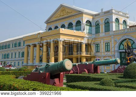 Bangkok, Thailand - December 28, 2018: Antique Cannons At The Entrance To The Main Building Of The M