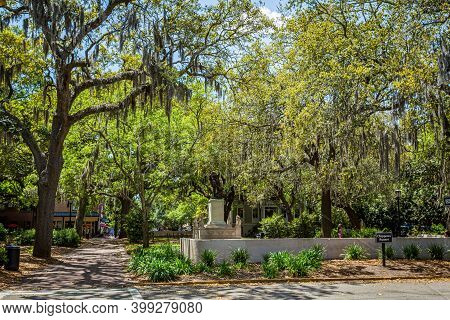 Savannah, Ga / Usa - April 21, 2016: The Bench Scenes In The Movie Forrest Gump Take Place Here On C