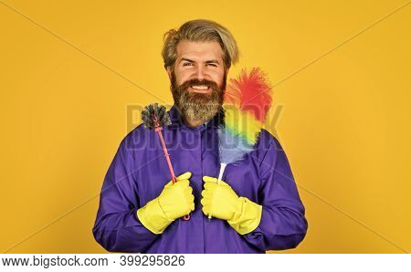 Cleaning Apartment. Man Use Pp Duster. Dust Allergy. Husband Cleaning Home. Small Duster. Cleaning S