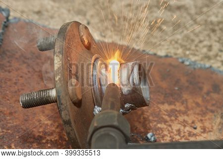 Bearings Housing Removal By Acetylene Cutting Or Oxy Fuel Cutting Technique In Close Up View