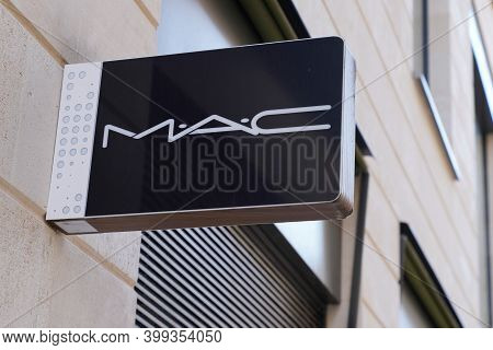 Bordeaux , Aquitaine  France - 12 12 2020 : Mac Logo And Sign Text Front Of Store Fashion Brand Clot