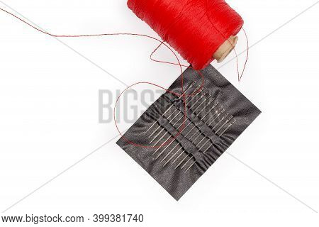 Set Of Hand Sewing Needles Different Length With Eyes With Easy Threading Opening At The Top In A Pl