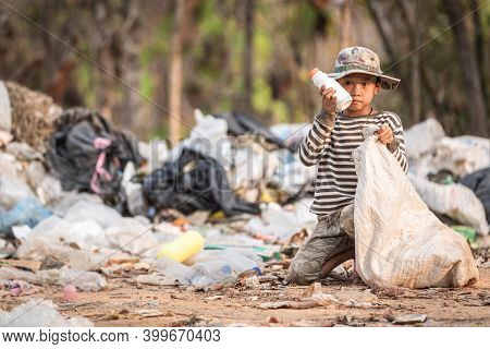 Children Are Junk To Keep Going To Sell Because Of Poverty, ,world Environment Day, Poverty Concept