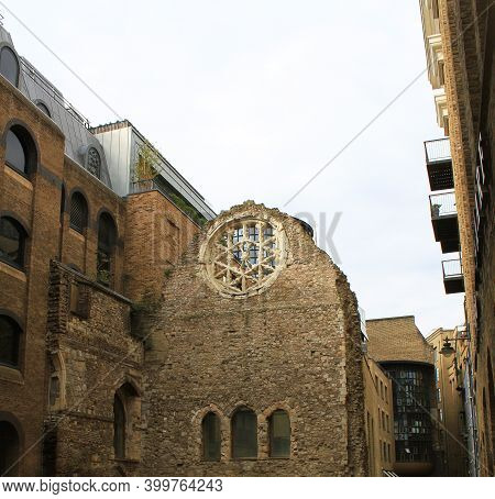 Cathedral Building Ruin At The Town Next To Southwark Cathedral, London, Uk