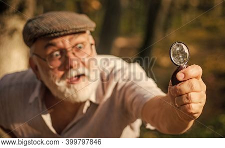 Exploring With Magnifying Glass. Research Activity. Putting Under Magnifying Glass. Discovery And Ex