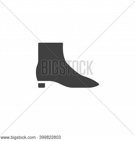 Woman Boot Vector Icon. Filled Flat Sign For Mobile Concept And Web Design. High Boot Glyph Icon. Sy