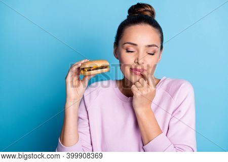 Close-up Portrait Of Her She Nice Attractive Lovely Pretty Dreamy Hungry Cheery Girl Enjoying Eating