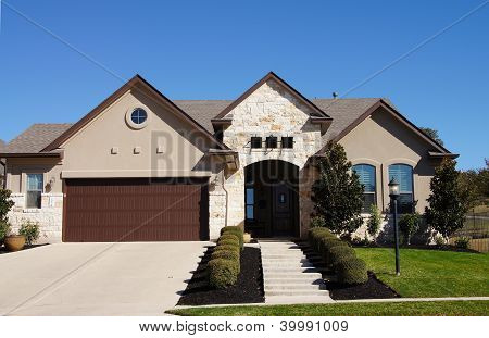 Cute Stucco House Bungalow