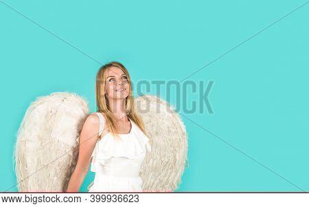 Valentines Angel Girl. Valentines Day Cupid. Angel Woman. Cupid Girl In Valentine Day. Cute Cupid. V