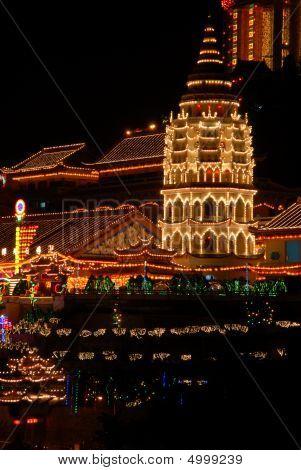 Kek Lok Si Pagoda At Dusk