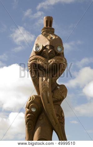 Maori Carving Totem Pole