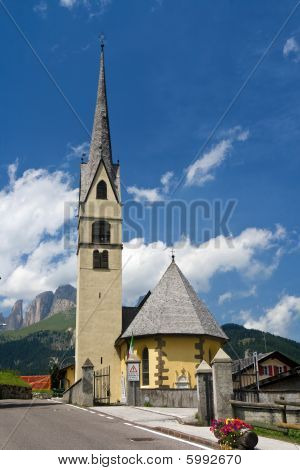 Alpine Small Church