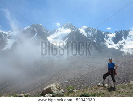 Walk On The Mountain District