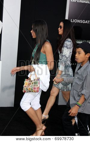 LOS ANGELES - AUG 11:  Wesley Snipes' family at the