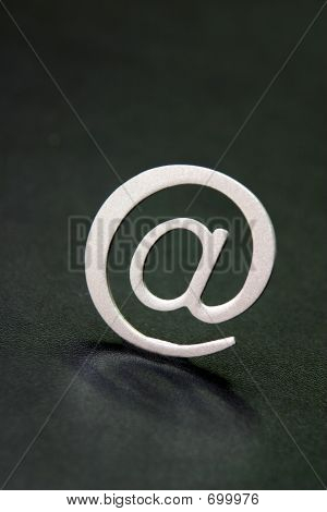 Silver 3D Email Sign