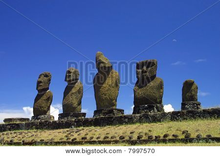 Hanga Roa Monoliths