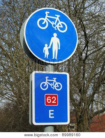 UK Cycle Route Sign