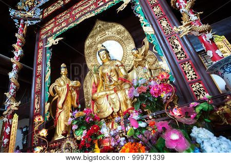 Statue Of Guanyin, The Goddess Of Mercy, At Lushan Temple, Changsha, China