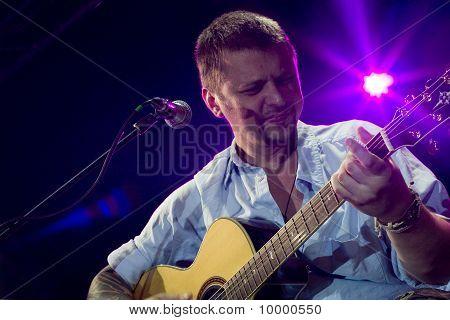 Concert van Ilya hoornkiezel In Sint-petersburg