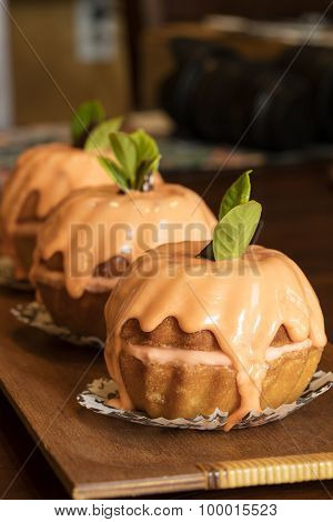 Yummy Mini Pumpkin Bundt Cakes