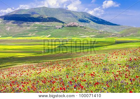 Beautiful nature landscapes - Castelluccio di Norcia