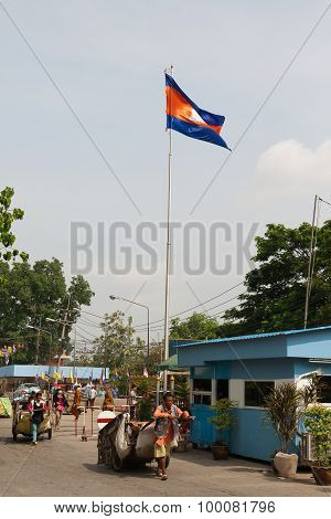 Poi Pet, Cambodia. People Are On The Cambodian-thai Border