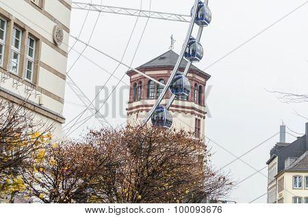 Ferris Düsseldorf's Old Town.