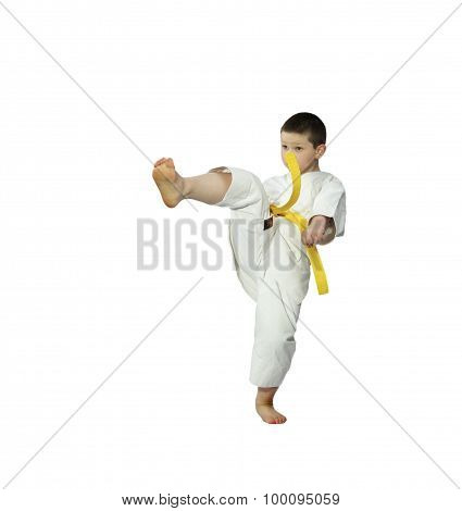 The blow mae-geri is beating boy with yellow belt
