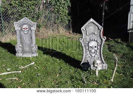 Two Halloween gravestones